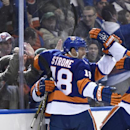 Leddy, Lee help Islanders cruise past Avalanche The Associated Press