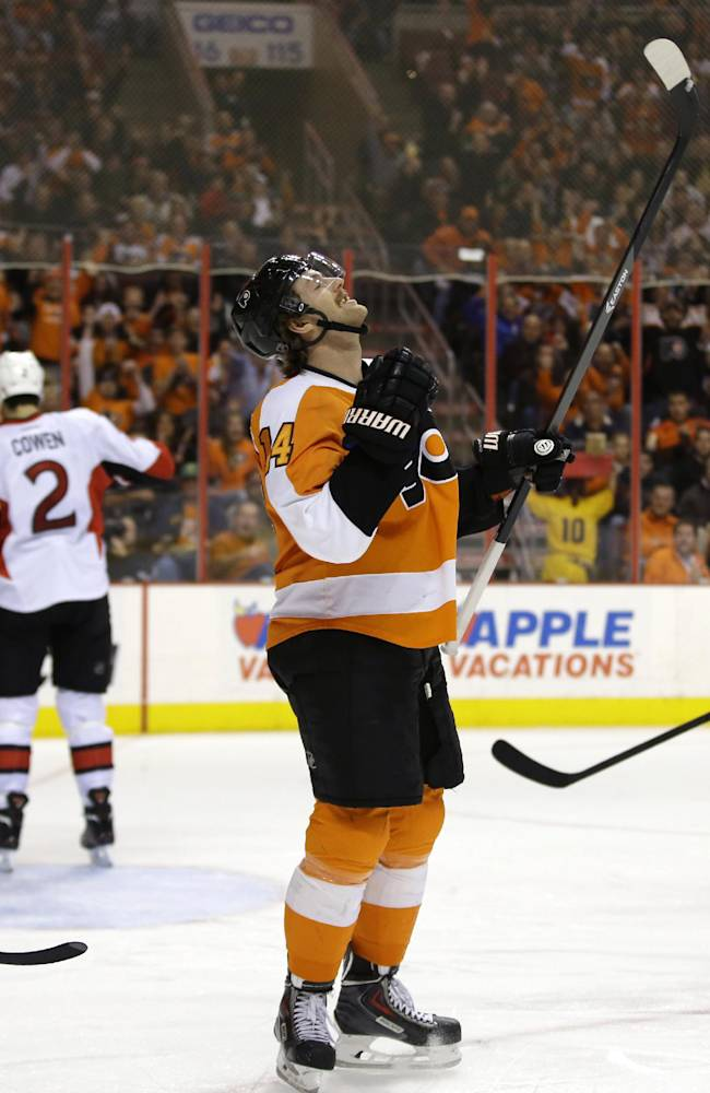 Timonen leads Flyers over Senators 5-2