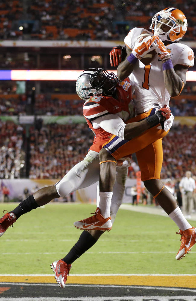 No. 12 Clemson tops No. 7 Ohio State, 40-35