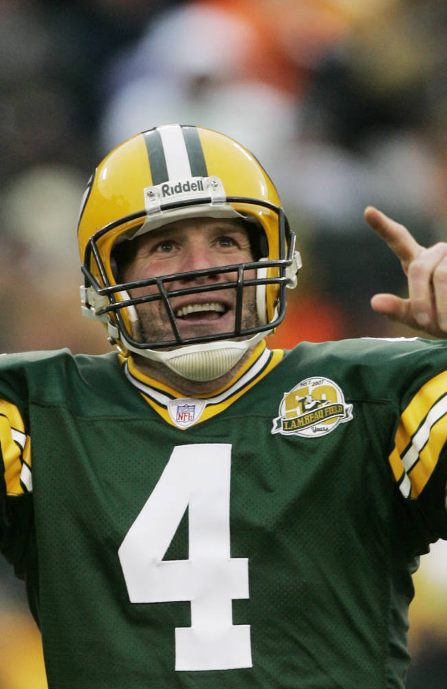 Favre looks forward, no regrets about career