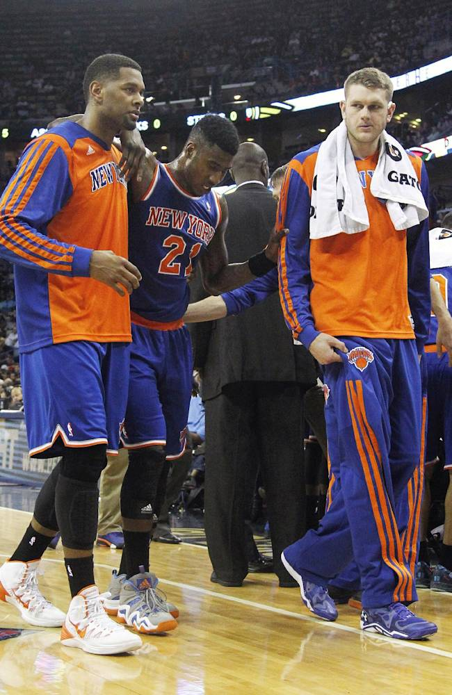 Shumpert expected to miss 2 weeks with knee injury