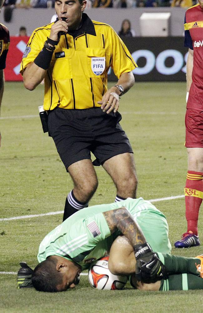 Unfair labor practice alleged against MLS refs