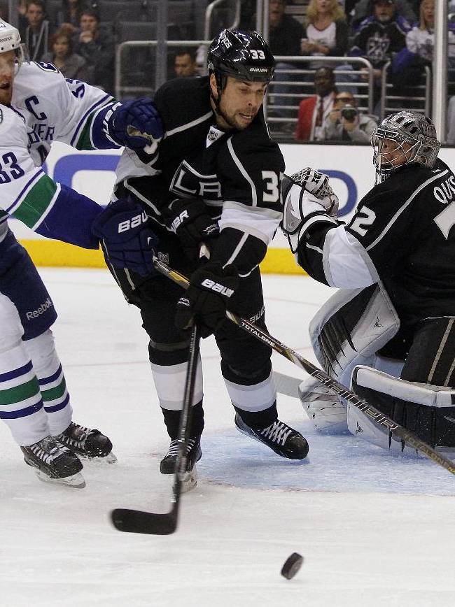 Quick wins in return, LA Kings beat Canucks 3-1
