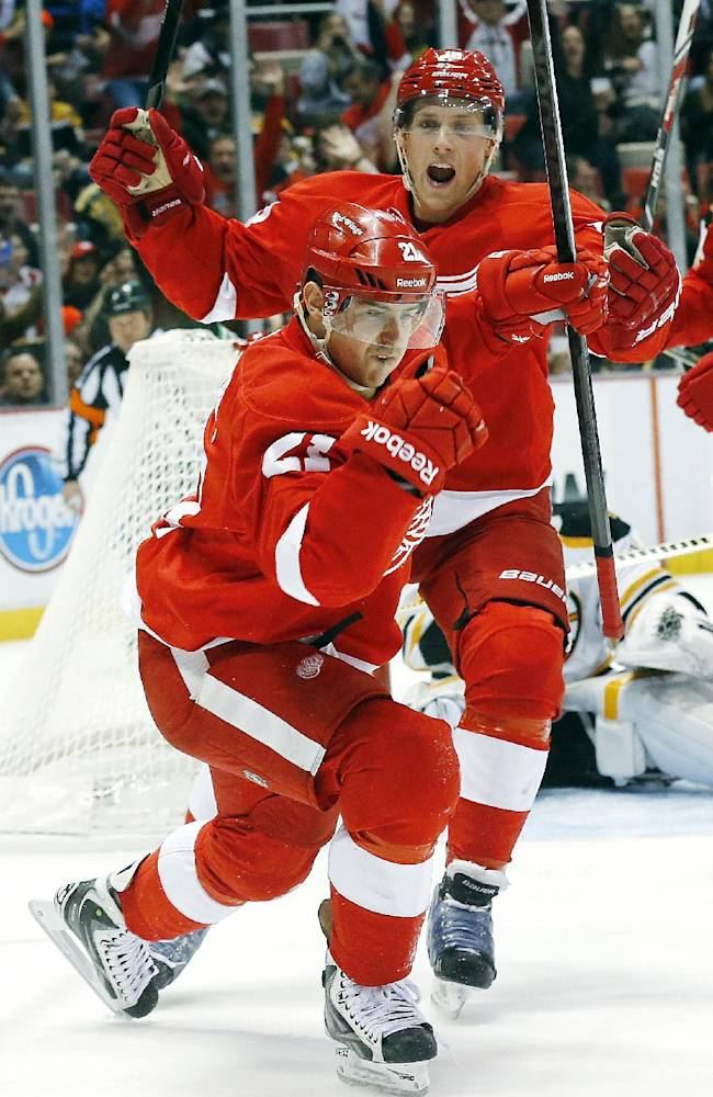 Red Wings pound Bruins 6-1