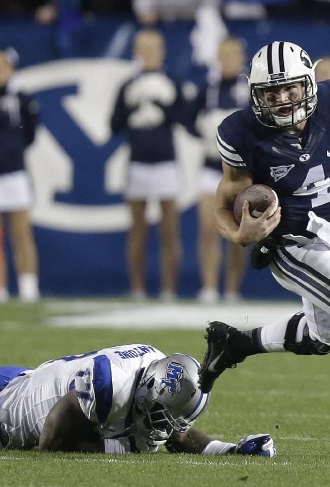 Taysom Hill leads BYU past Middle Tennessee, 37-10