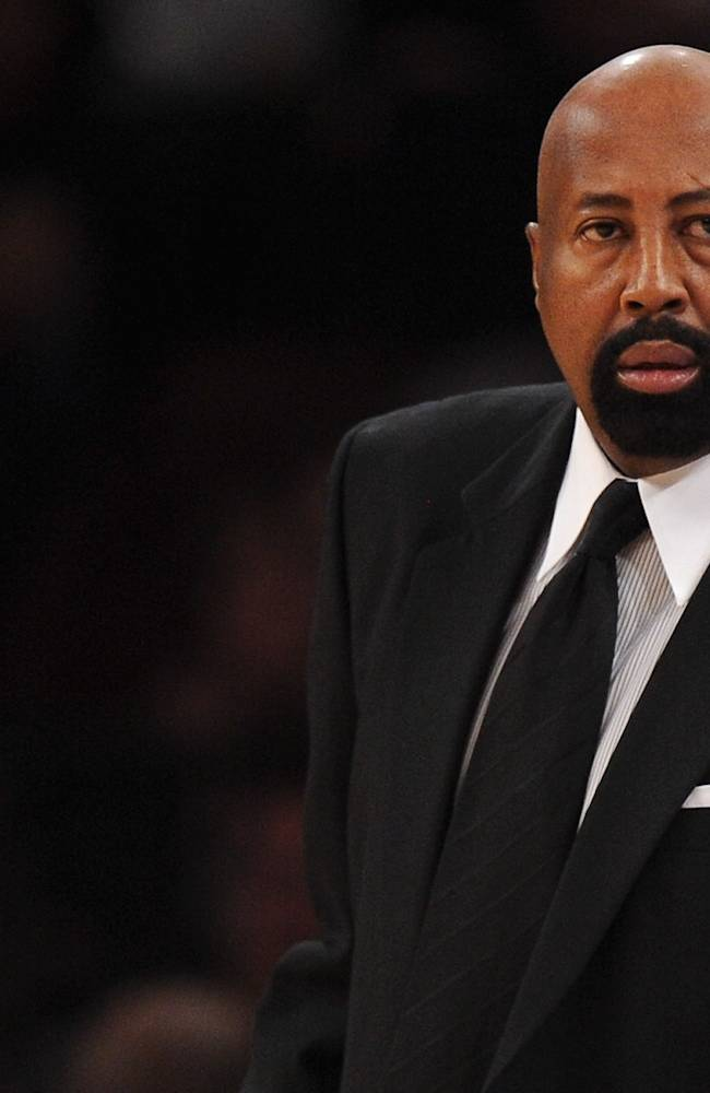 NBA fines Woodson $25,000 for ref criticism