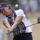 Juli Inkster hits her tee shot on the second hole during the final round of the U.S. Women�s Open </td></tr>