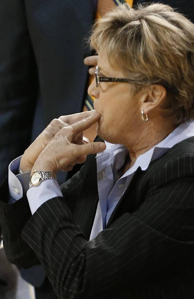 Tennessee coach Holly Warlick whistles to her team during the second half of an NCAA college basketball game against Mississippi State in Starkville, Miss., Thursday, Jan. 16, 2014. Tennessee won 67-63