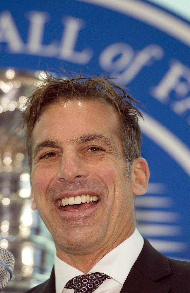 Chelios induction brings Gretzky to HOF ceremony