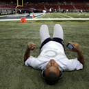 Chicago Bears fullback Tony Fiammetta warms up before the start of an NFL football game against the St. Louis Rams Sunday, Nov. 24, 2013, in St. Louis The Associated Press