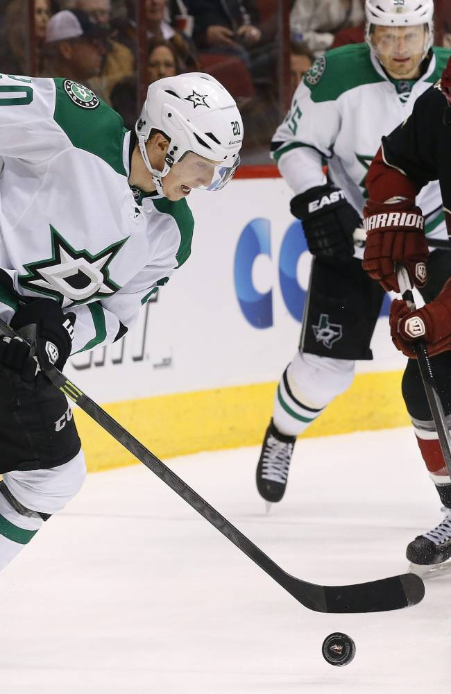 Roussel's goal sends Stars past Coyotes 3-1