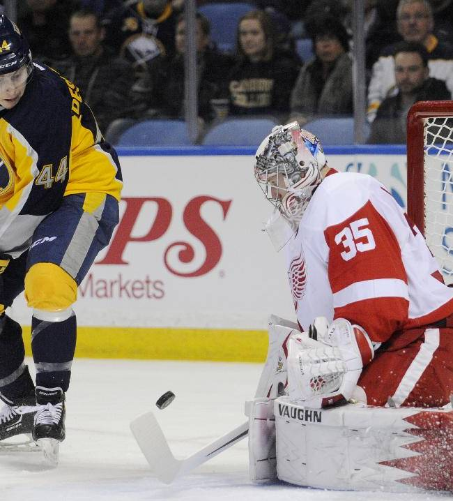 Red Wings beat Sabres 4-2