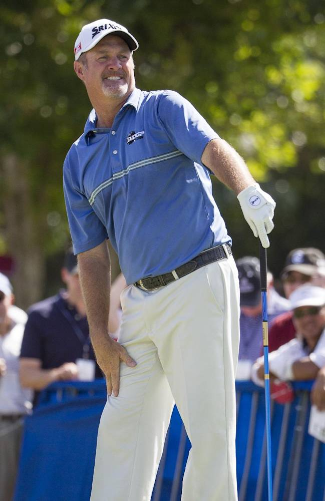 Jerry Kelly watches his drive off the first tee during the fourth round of the Sony Open golf tournament at Waialae Country Club, Sunday, Jan. 12, 2014, in Honolulu