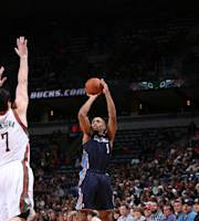 MILWAUKEE, WI - NOVEMBER 23: Gerald Henderson #9 of the Charlotte Bobcats shoots against the Milwaukee Bucks on November 23, 2013 at the BMO Harris Bradley Center in Milwaukee, Wisconsin. (Photo by Gary Dineen/NBAE via Getty Images)