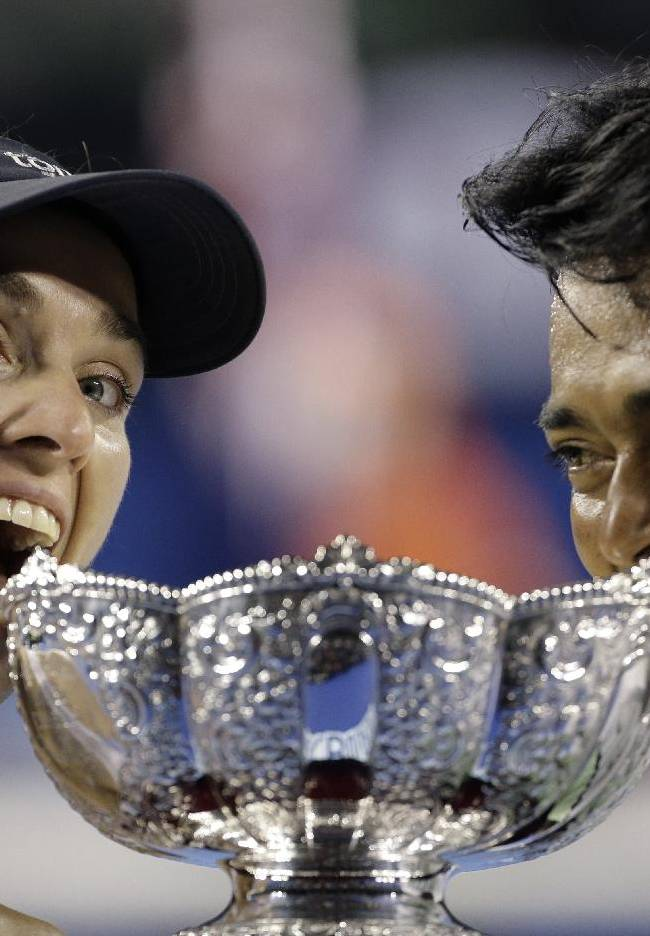 Hingis, Paes win Australian Open mixed doubles title