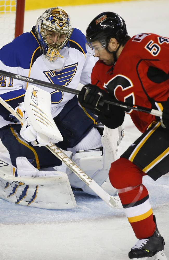 Colborne's SO goal lifts Flames over Blues 4-3