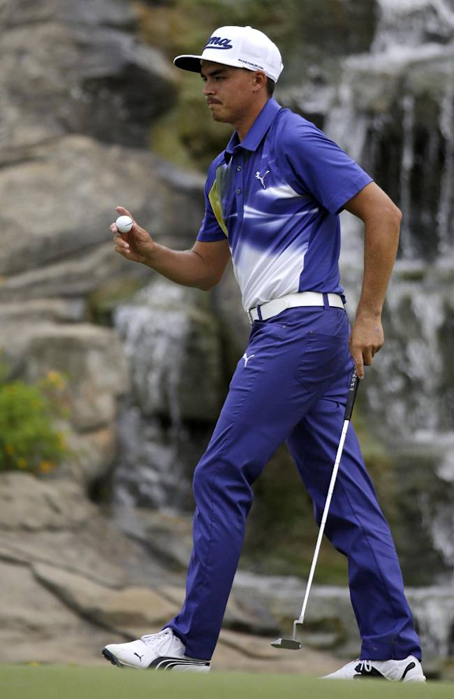 Fowler 2 shots back at PGA Championship