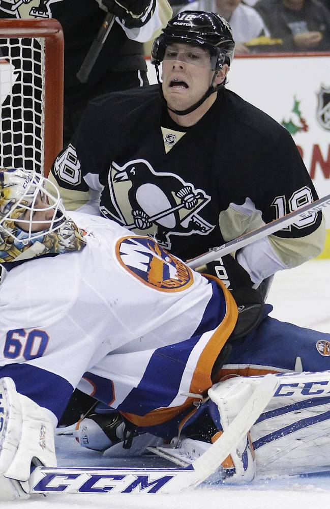 Crosby lifts Penguins to 4-3 win over Islanders