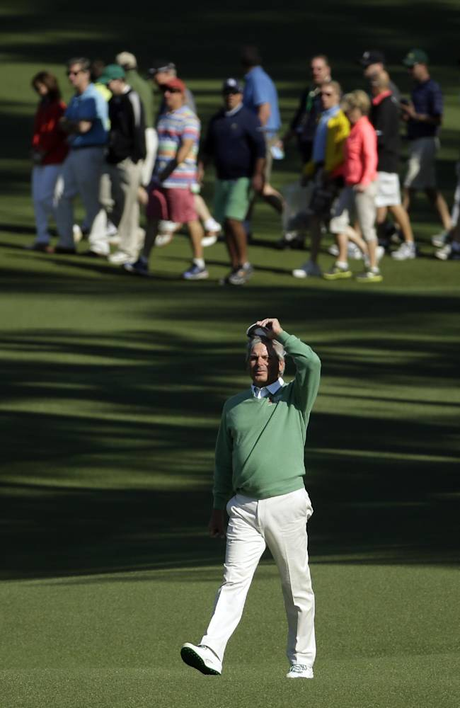 Old guys get it done in opening round at Masters
