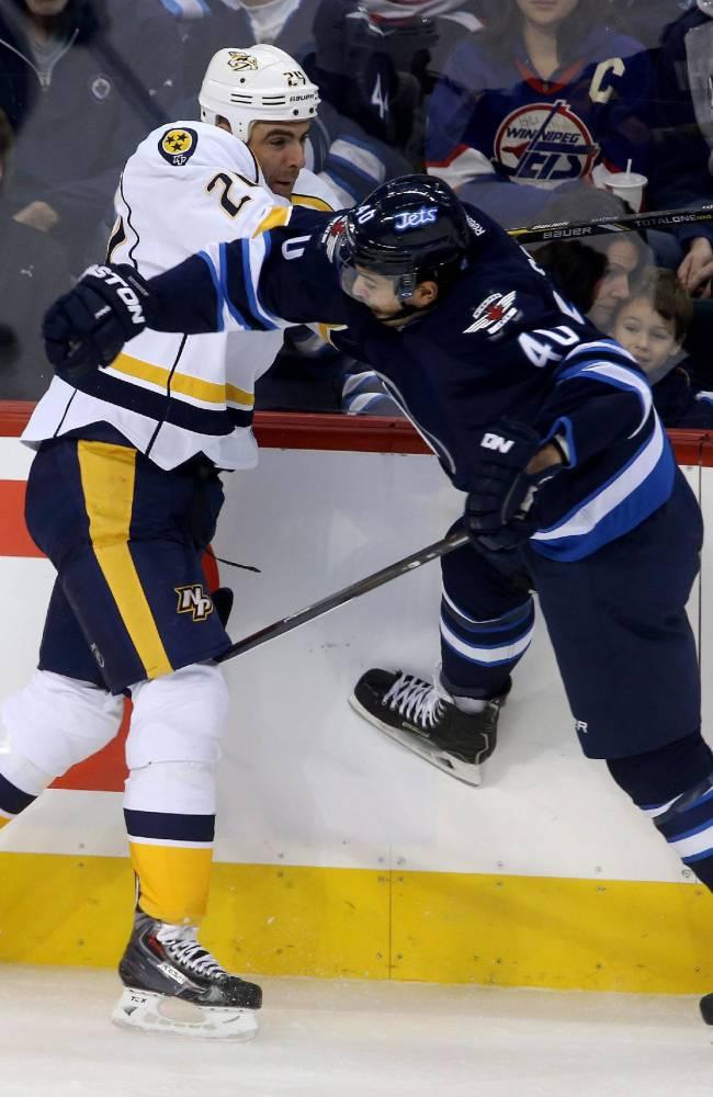 Hutton gets 1st NHL win, Predators beat Jets 3-1