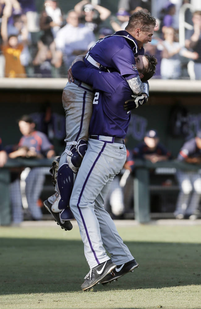 Big turnaround gets TCU Horned Frogs back into CWS