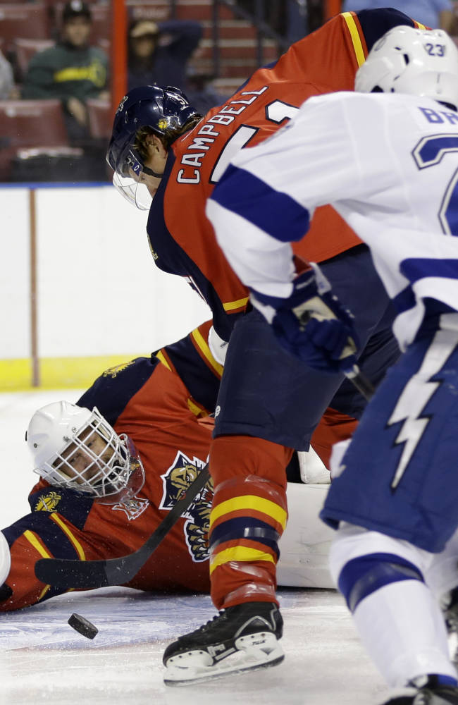Versteeg leads Panthers to 5-3 win over Lightning
