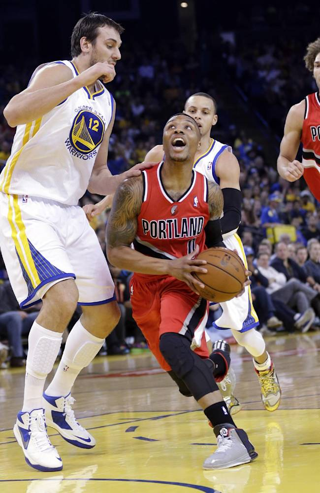 Curry leads Warriors past Trail Blazers, 103-88
