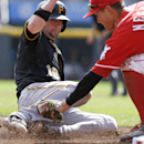 Pirates' 4-1 loss to Reds gives title to Cards The Associated Press