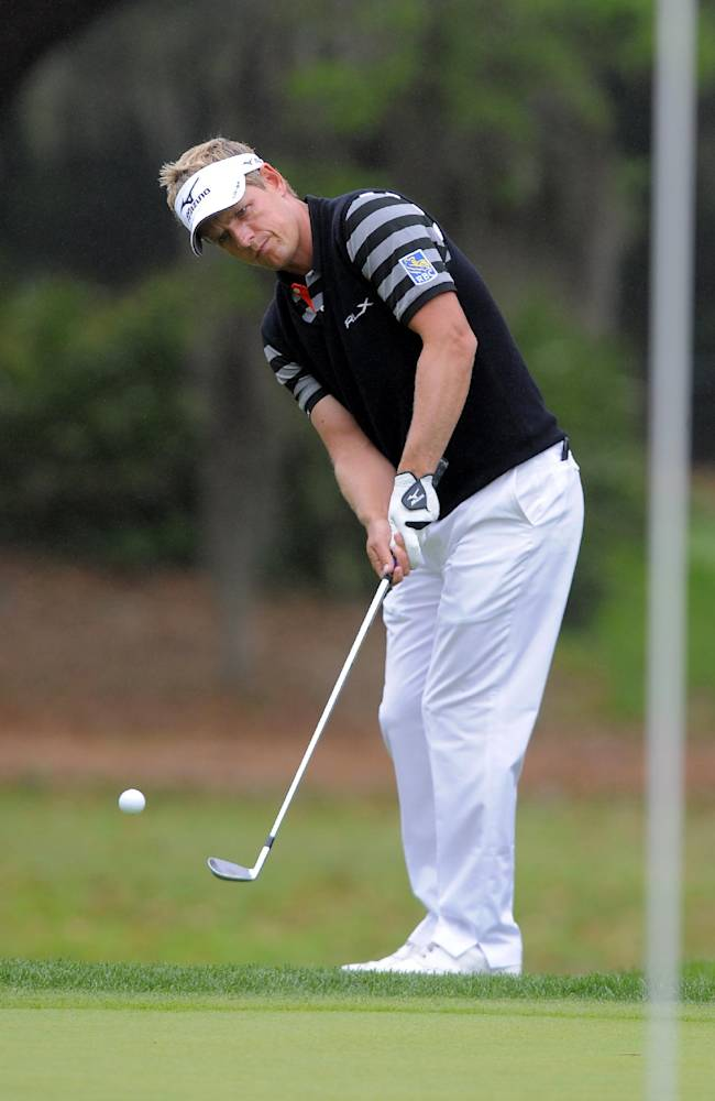 Donald shoots 66, takes lead at RBC Heritage