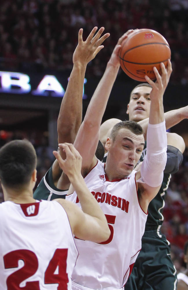 Kaminsky, No. 5 Wisconsin beat Michigan State 68-61