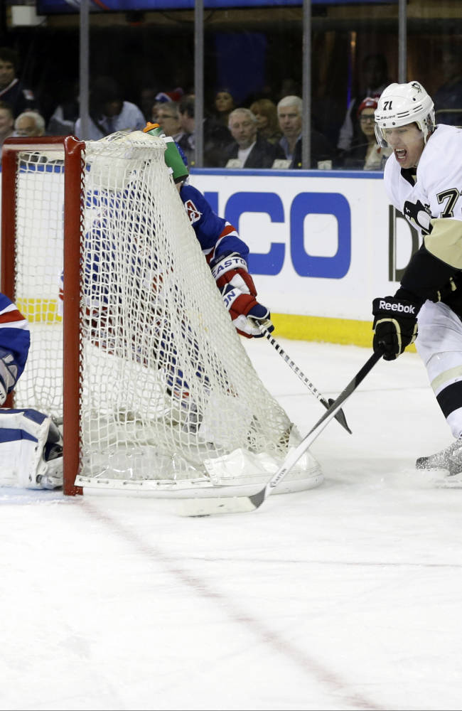 Penguins close in on return trip to East finals