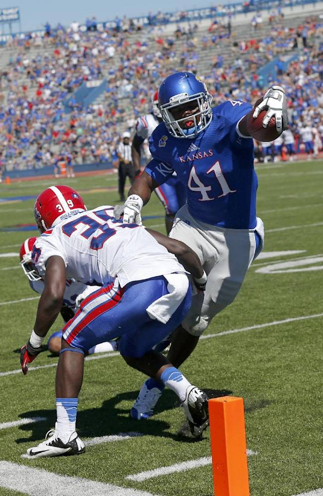 Jayhawks' Mundine only bright spot in passing game