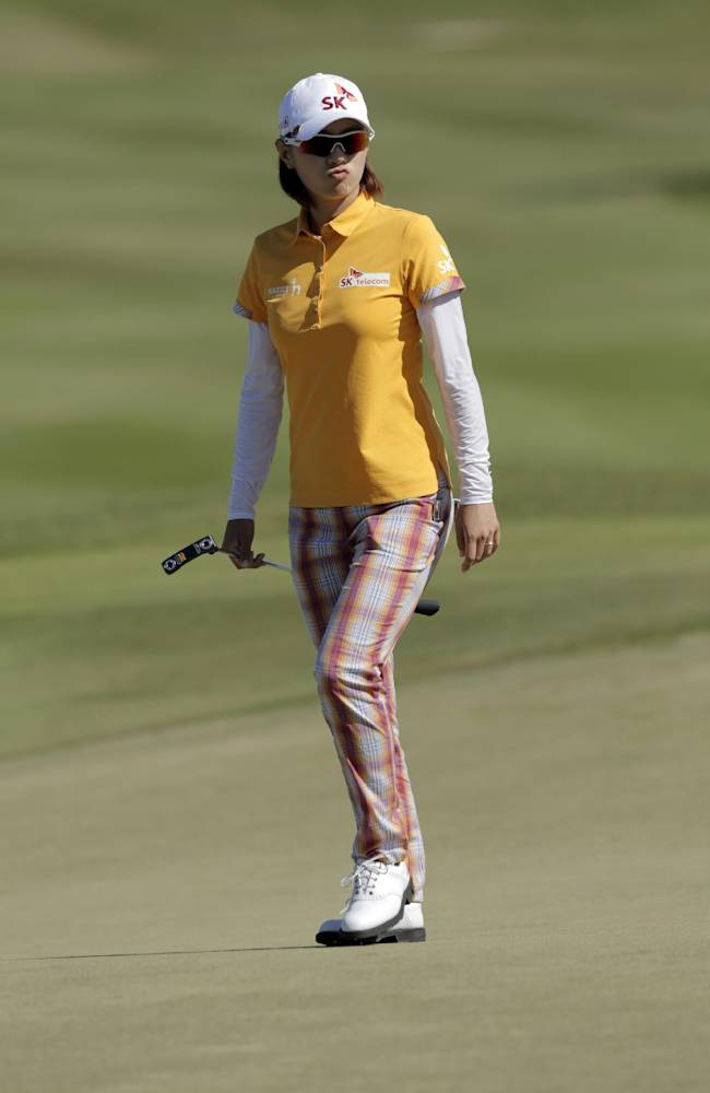 Na Yeon Choi reacts to a putt on the last day of the Pure Silk Bahamas LPGA Classic in Nassau, Bahamas, Sunday, Jan. 26, 2014