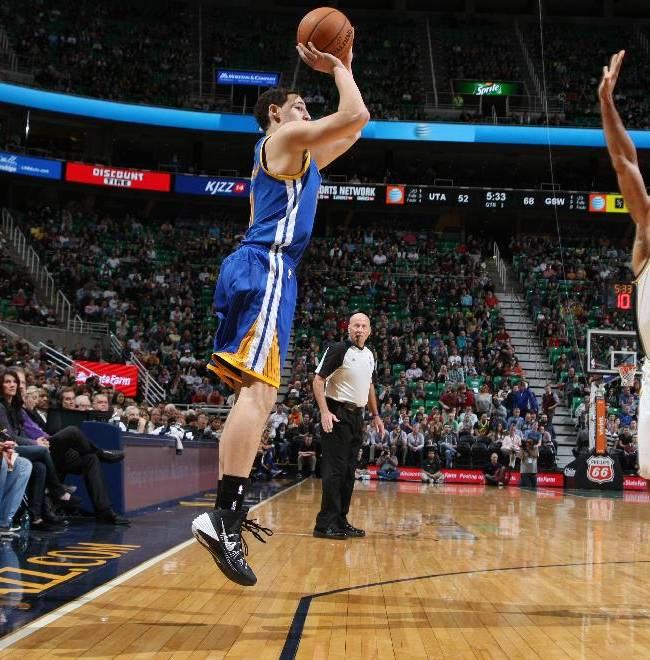 Curry scores 22 to lead Warriors over Jazz 98-87