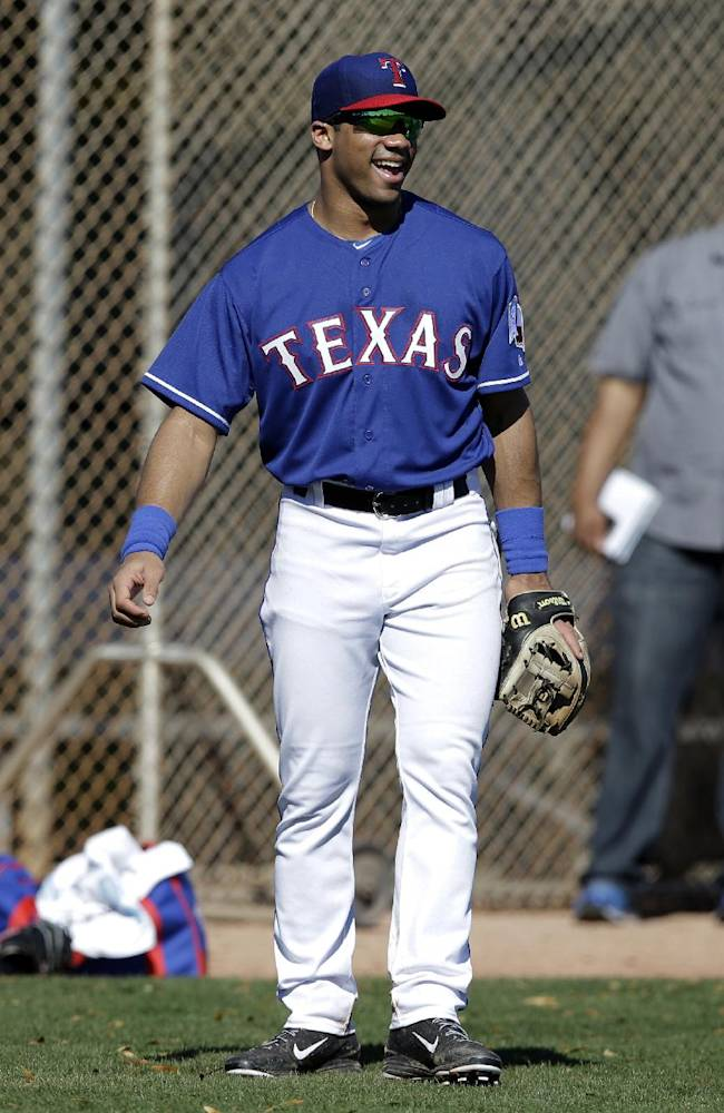 Russell Wilson enjoys time with Texas Rangers
