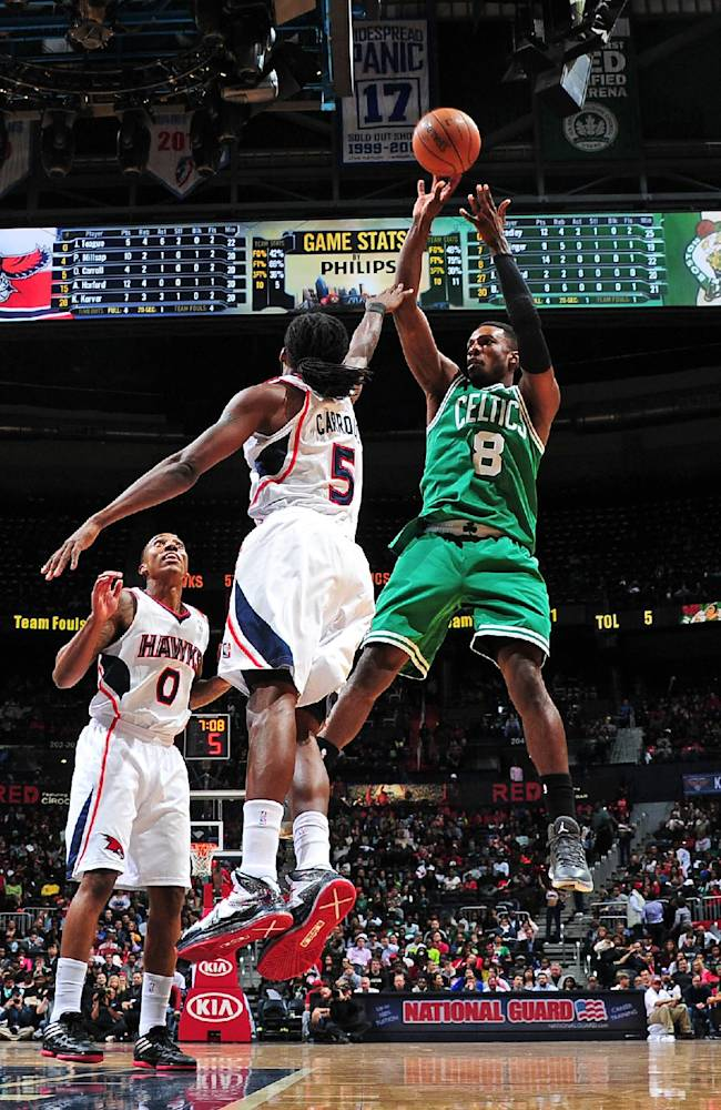 Celtics end 6-game skid with 94-87 win over Hawks