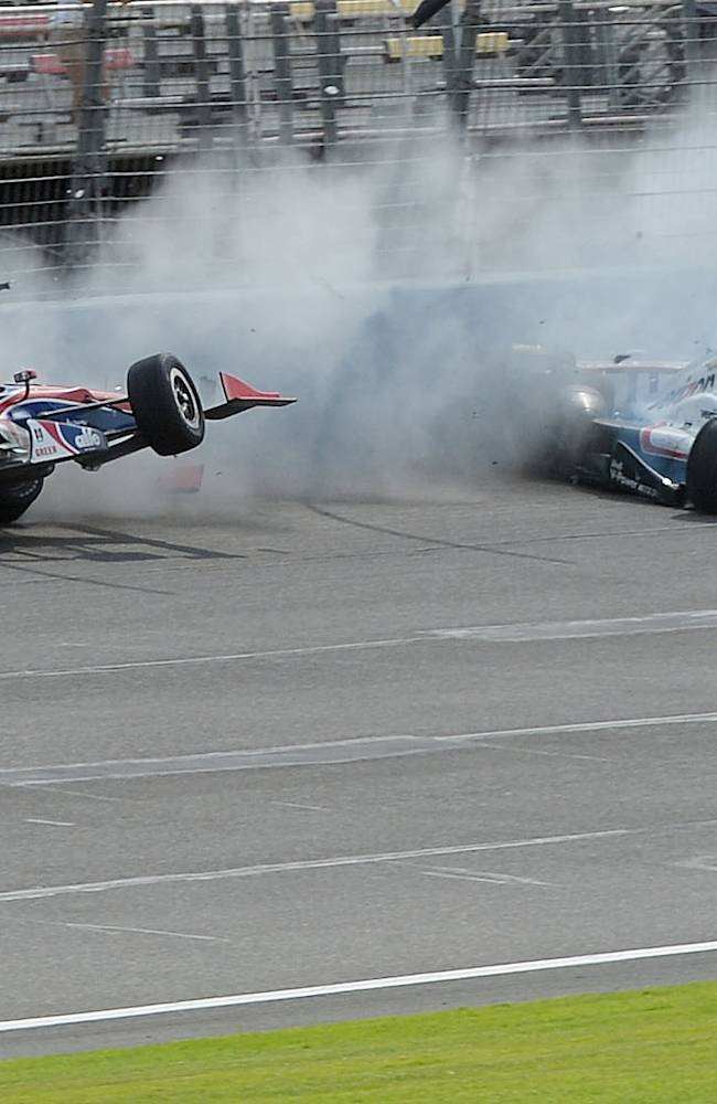 Column: IndyCar must balance daredevil vs. dangerous racing