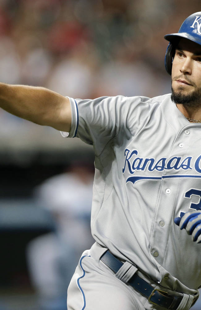 Hosmer's homer in 9th lifts Royals to 2-1 win over Indians