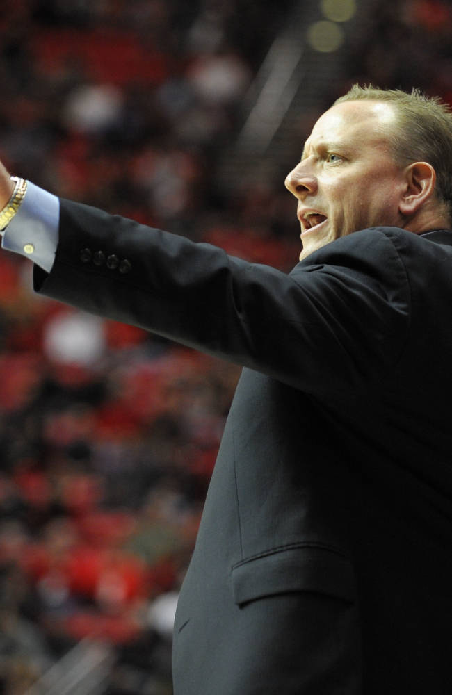 San Diego State routs San Jose St 90-64