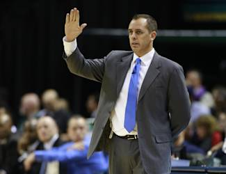 Indiana Pacers head coach Frank Vogel gestures to his players in the second half of an NBA basketball game against the Houston Rockets in Indianapolis, Friday, Dec. 20, 2013. Indiana won 114-81. (AP Photo/R Brent Smith)