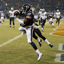Chicago Bears wide receiver Alshon Jeffery (17) makes a touchdown catch against New Orleans Saints defensive back A.J. Davis (20) during the second half of an NFL football game Monday, Dec. 15, 2014, in Chicago The Associated Press