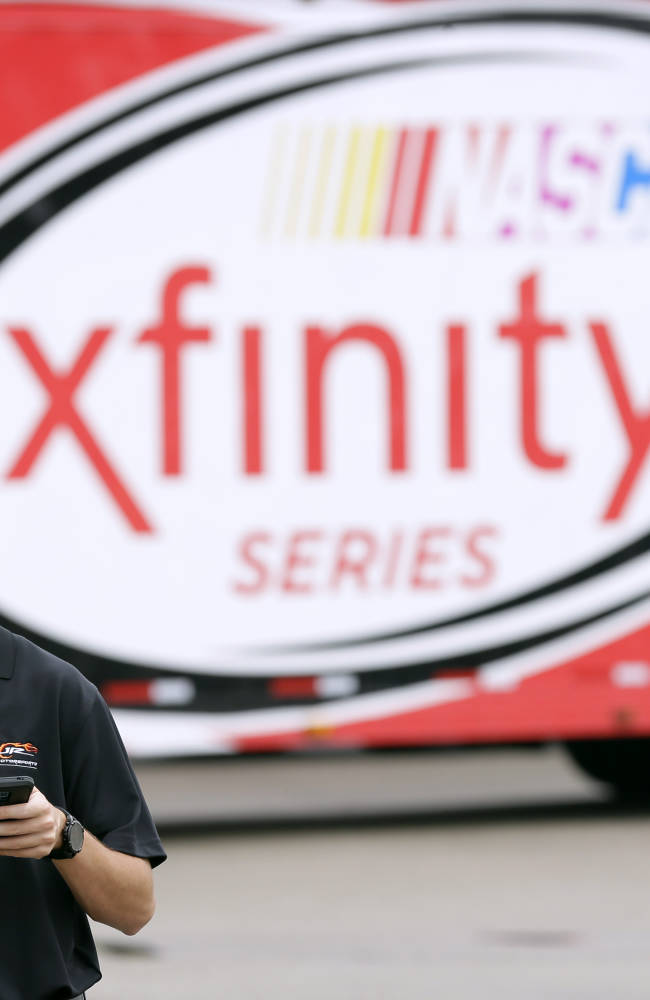 Ben Rhodes skipping commencement for NASCAR Xfinity debut