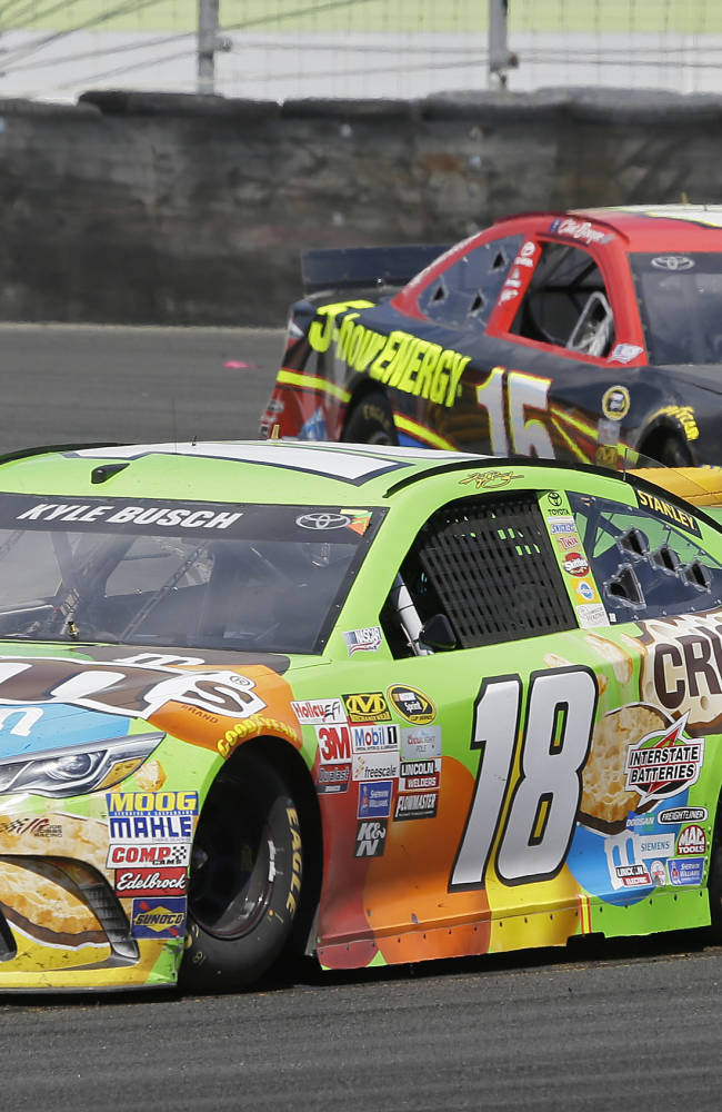 Kyle Busch involved in multi-car crash in Daytona return