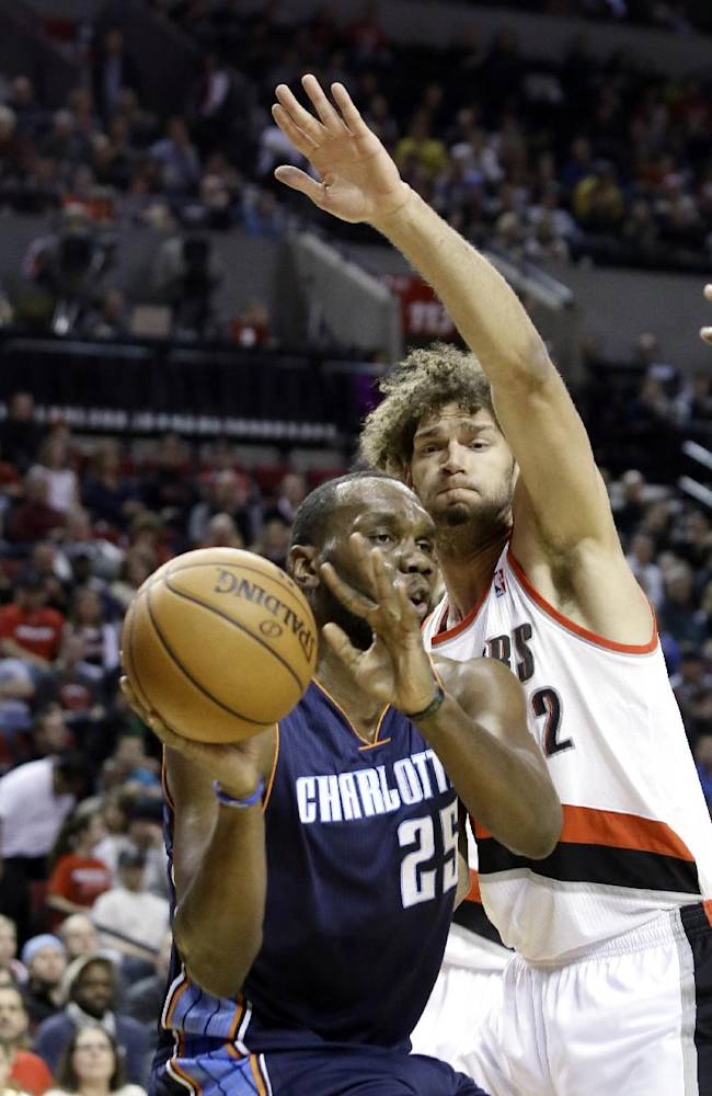 Blazers hits 21 3s to down Bobcats 134-104