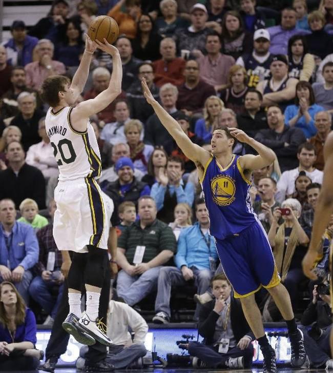 Curry scores season-high 44, Warriors beat Jazz