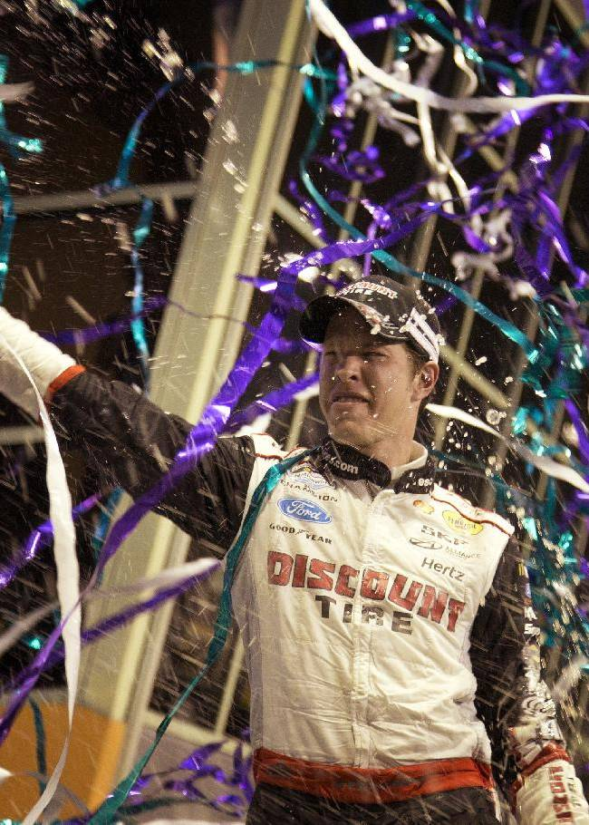 Dillon edges Hornish for Nationwide title