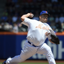 New York Mets starter Bartolo Colon (40) pitches in the first inning of a baseball game against the Philadelphia Phillies at Citi Field on Monday, May 25, 2015, in New York. (AP Photo/Kathy Kmonicek)
