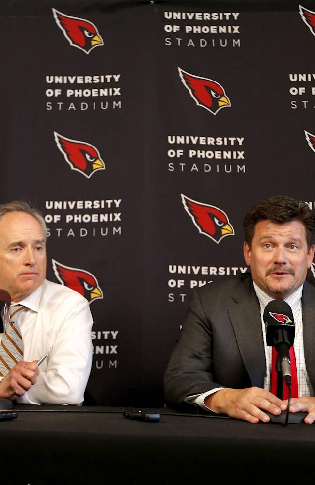 Cardinals President Michael Bidwill, right, and Arizona Super Bowl Host Committee Chairman David Rousseau discuss Arizona's selection as the site of the 2015 Pro Bowl, Wednesday, April 9, 2014, in Tempe, Ariz