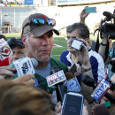 1 more pass: Favre's busy weekend ends with charity game The Associated Press