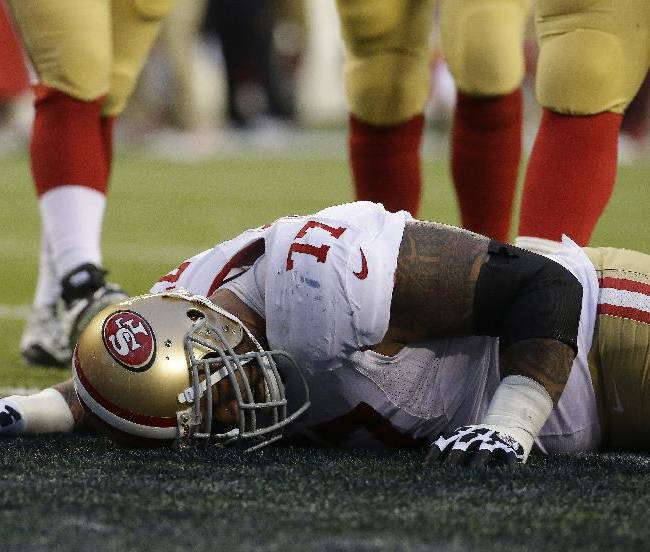 49ers' Bowman leaves with left knee injury